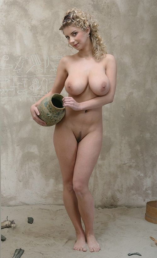 naked women in greek