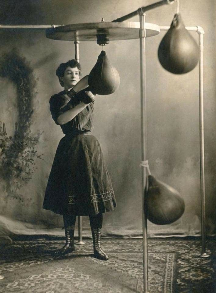 Pin By Thomas Duquette On Vintage Boxing Vintage Photography Vintage Photos Boxing Girl