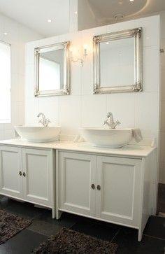 Pin By Julie Hendriksen On Creative Decorating Dark Wood Bathroom Bathroom Design Wood Bathroom Vanity
