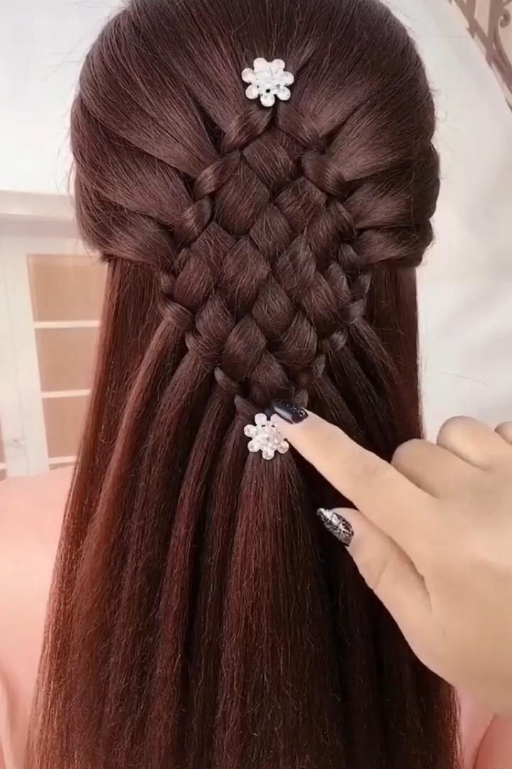 An easy elegant hairstyle