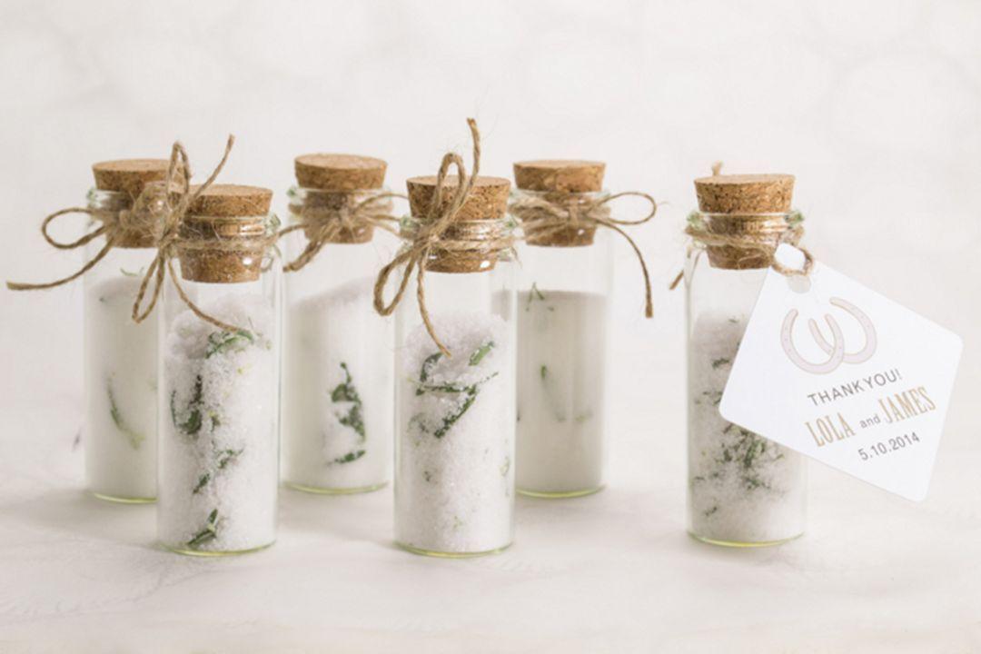 23 Marvelous Rustic Wedding Favors Ideas That Make Your Guest Happy Country Wedding Favors Wedding Gift Favors Diy Wedding Favors
