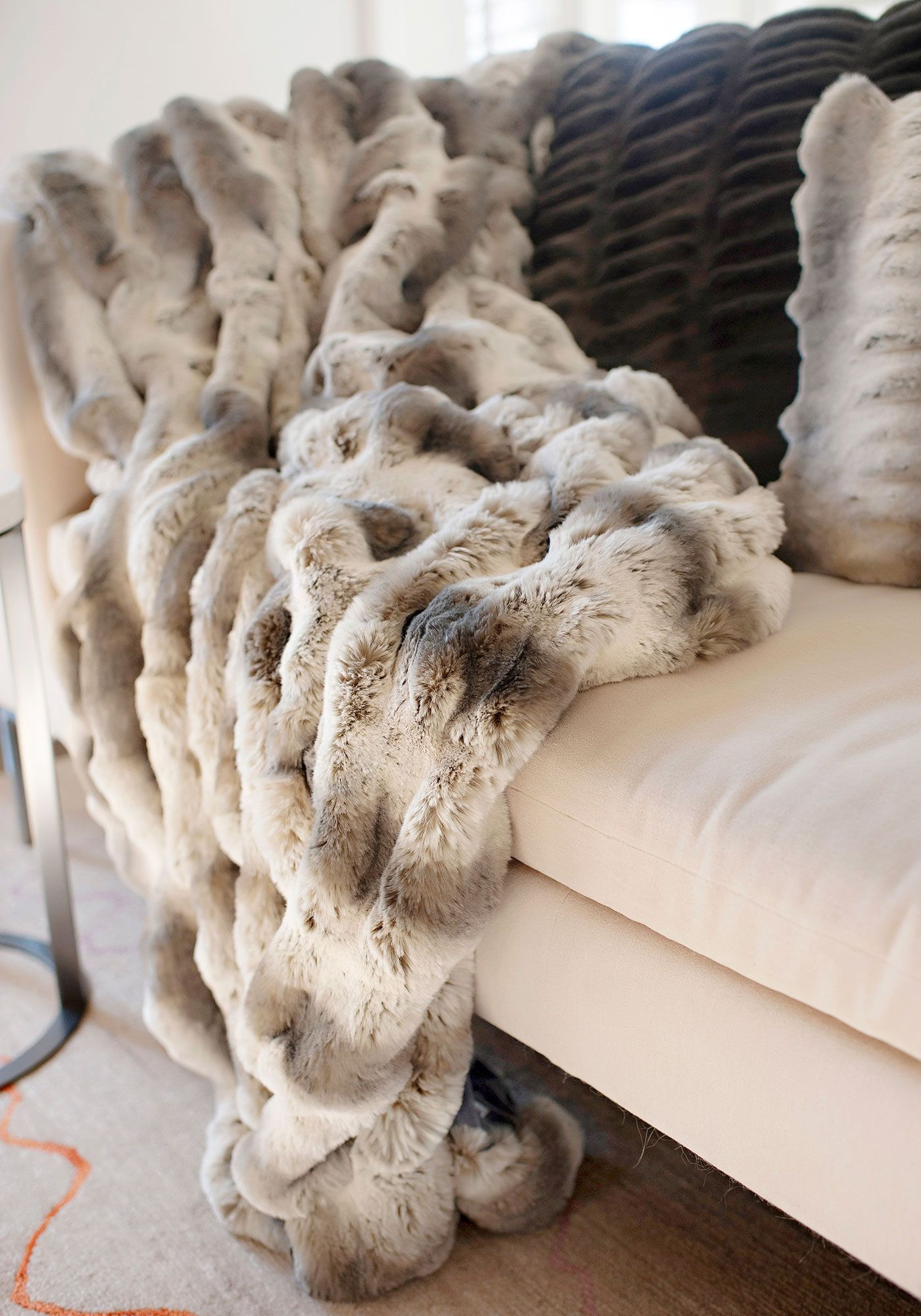 Pin By Georgia Everly On Bedrooms Fur Throw Blanket