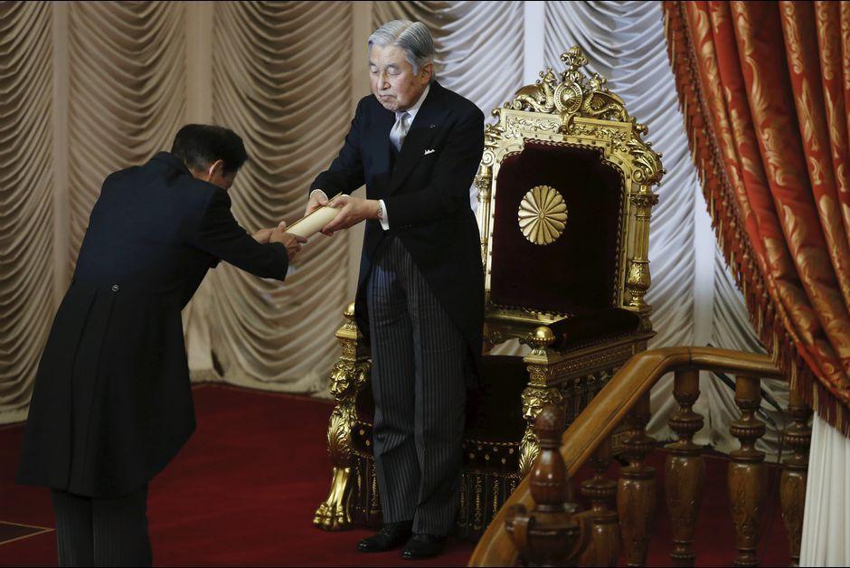 L'empereur Akihito du Japon ouvre le Parlement à Tokyo, le 4 janvier 2016