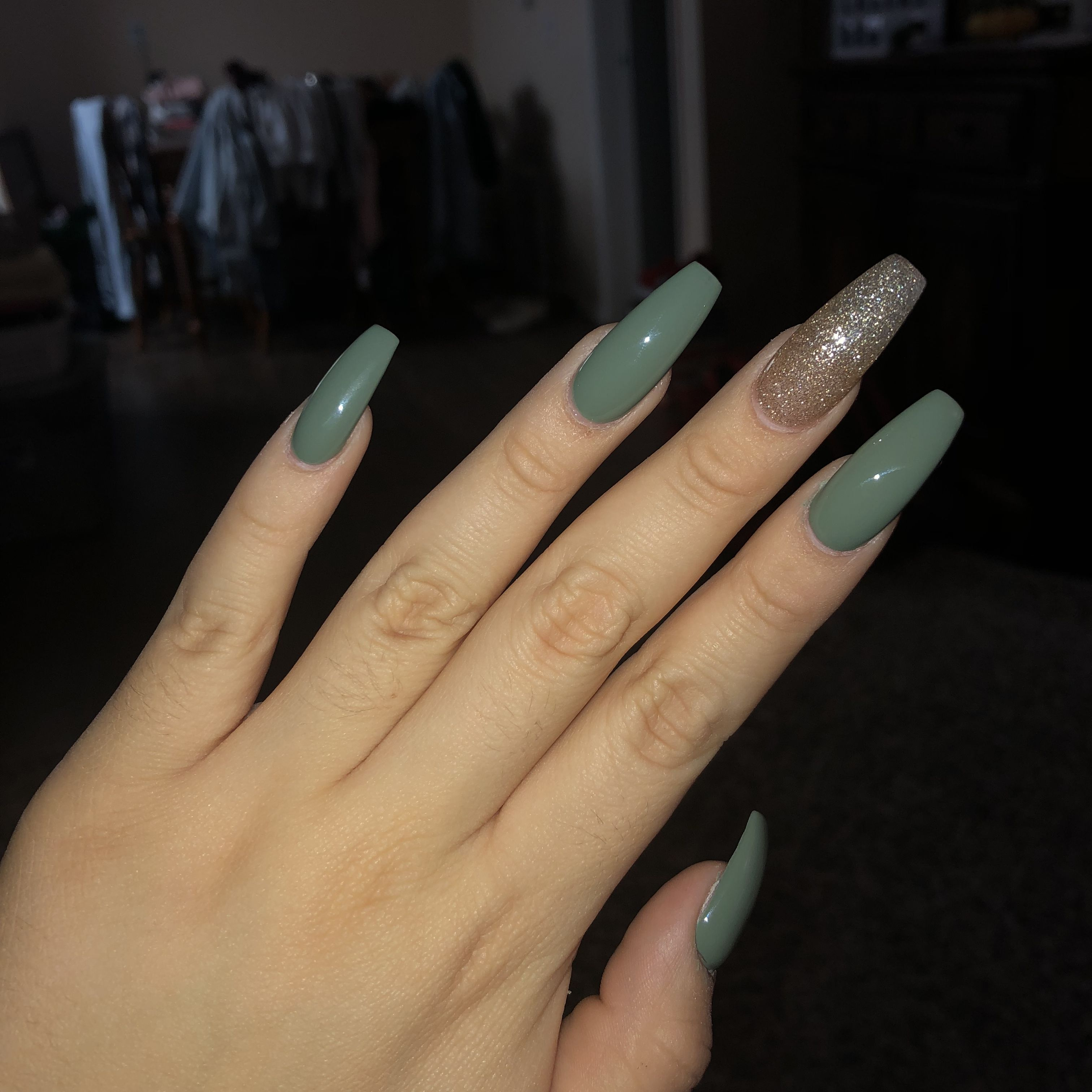 Olive Green Coffin Nails Green Acrylic Nails Green Nail Designs Olive Nails