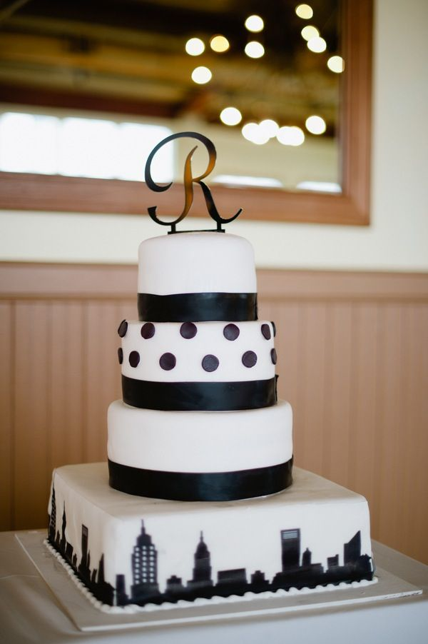 Wedding Cake Black White NYC City Skyline Theme