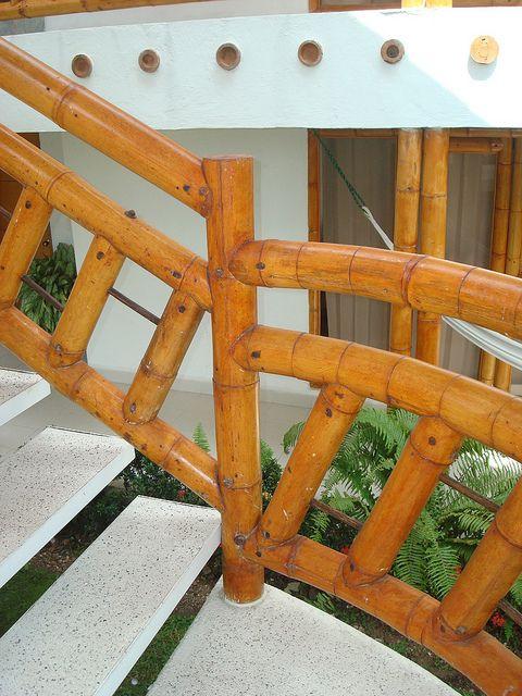 barandales y escaleras con piedra y madera para terrazas playa buscar con google