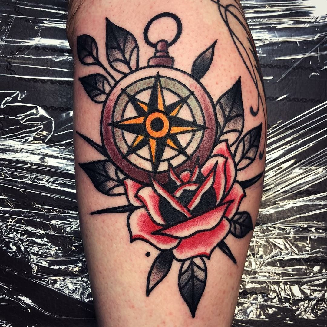 Compass And Rose By Riquecorner Riquecorner Compass Rose Tattoo Besttattooartist O Traditional Compass Tattoo Traditional Tattoo Traditional Tattoo Man