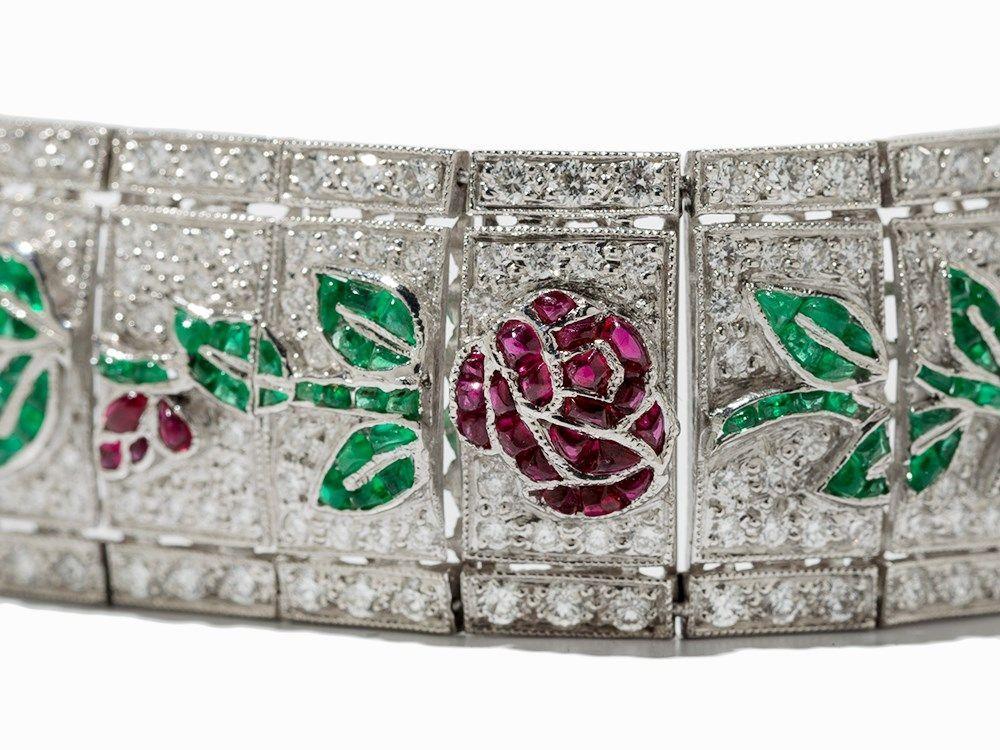 Armband mit Rubinen, Smaragden und Diamanten, 18K Weißgold 18 Karat WeißgoldDeutschland, 20. Jahrh