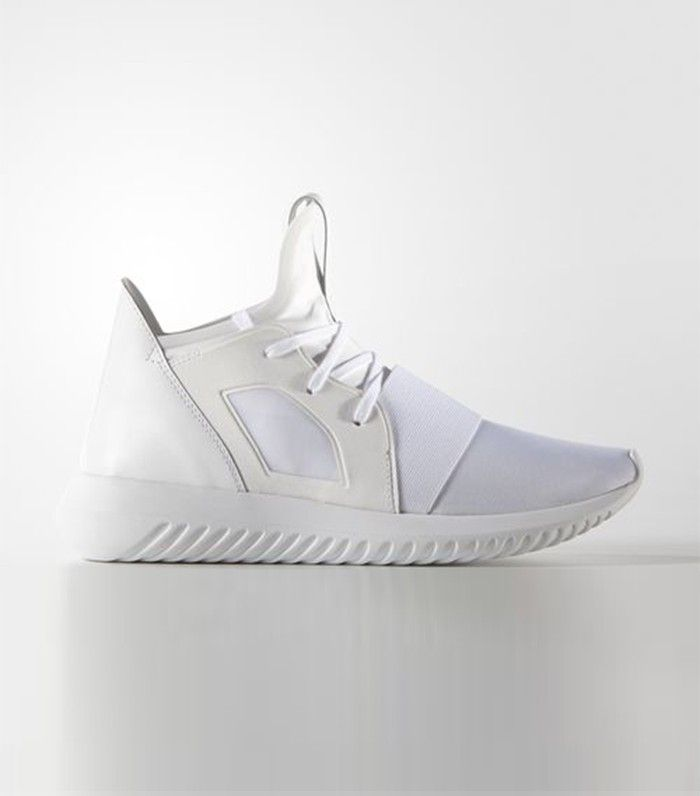 best sneakers 4ef93 40175 Did Kendall Jenner Just Bring Back Another Forgotten Trend ...