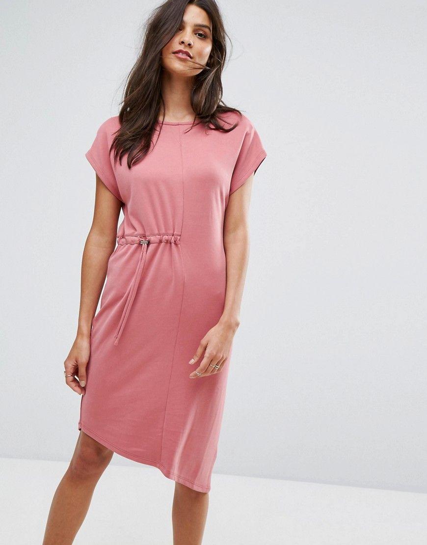 Consigue este tipo de vestido informal de Warehouse ahora! Haz clic ...