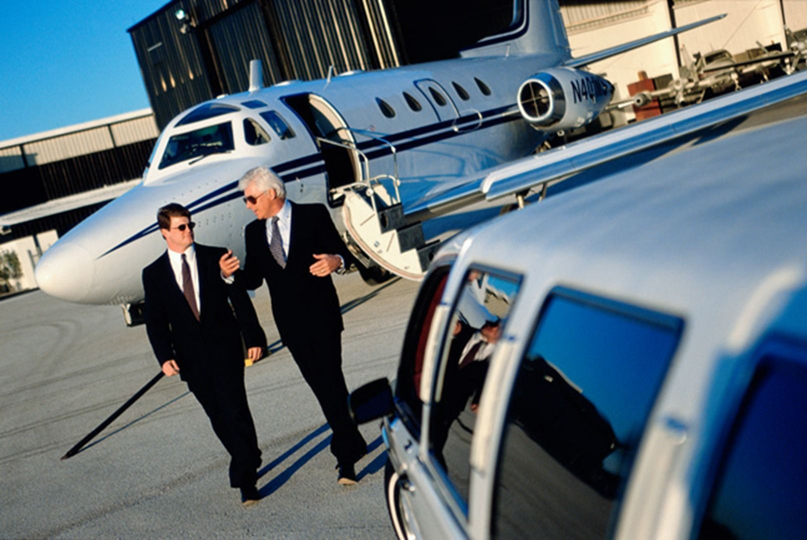 Landing to airport and facing hustle to find corporate car