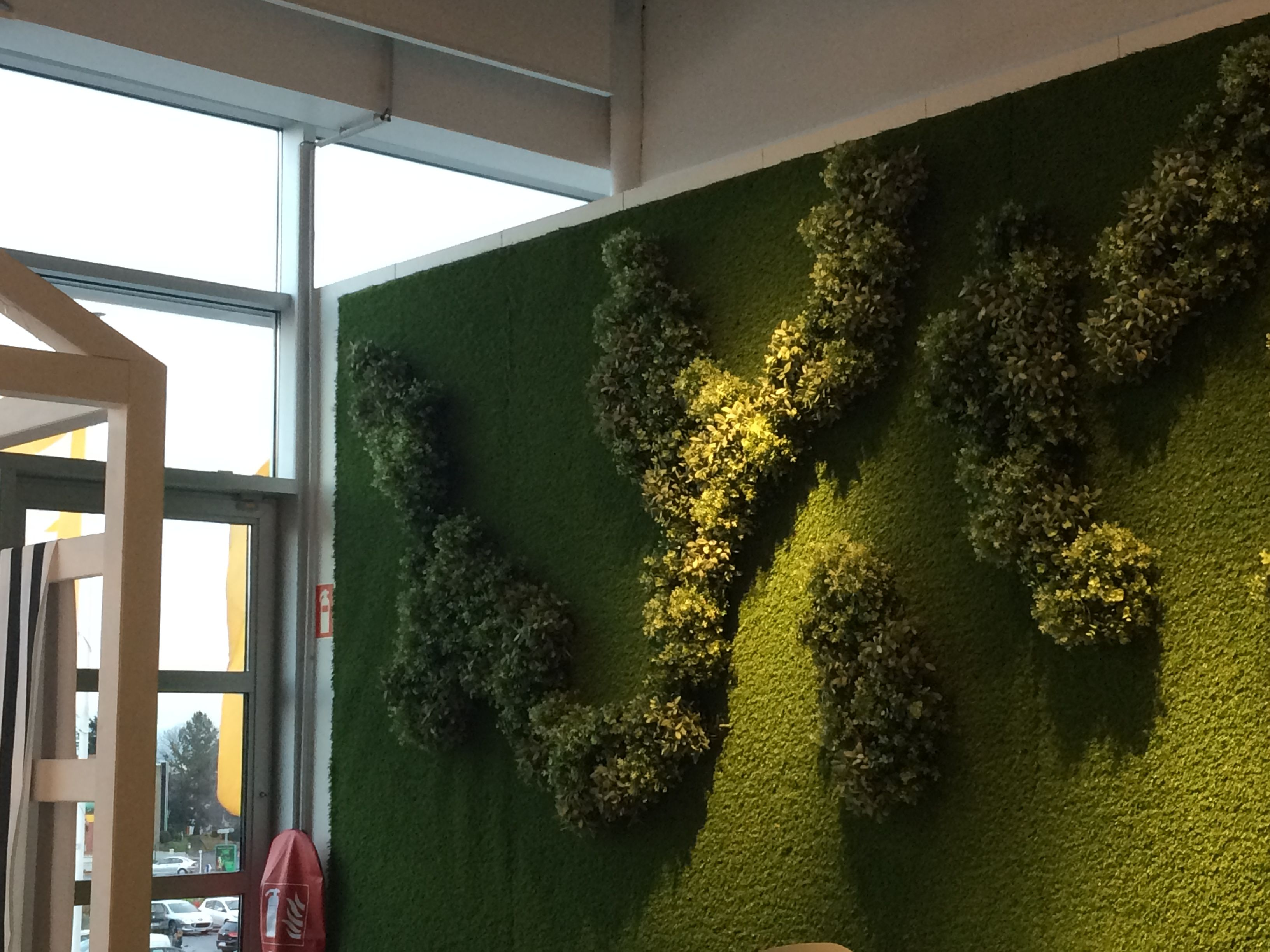 Marvelous Fake Living Wall At IKEA Paris Nord   Restaurant Area