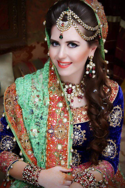 Latest Bridal Makeup for wedding day 201617 Pakistani