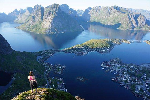 TOP 10 REASONS YOU NEED TO VISIT DREAMY LOFOTEN, NORWAY