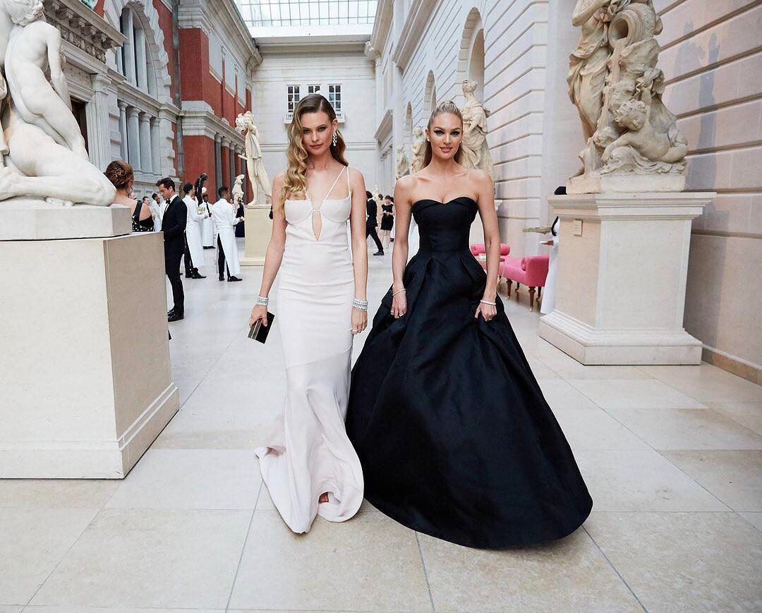 Behati Prinsloo And Candice Swanepoel Metgala Top Shop Dress Dresses Dress Hairstyles