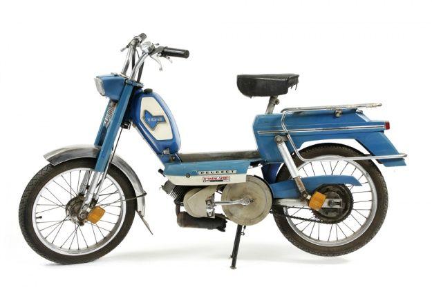 1977 mopeds 1970 peugeot 104 for in vintage mopeds solex et mobylette pinterest. Black Bedroom Furniture Sets. Home Design Ideas