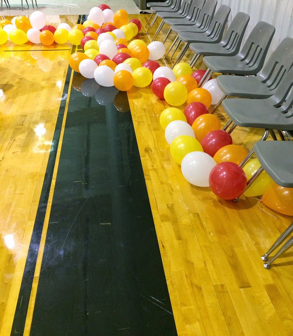 Easy DIY Balloon Arch (For Around 10!) Balloon arch