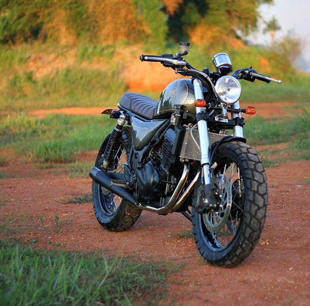 Kawasaki Ninja 250 Custom by Studio Motor in Indonesia