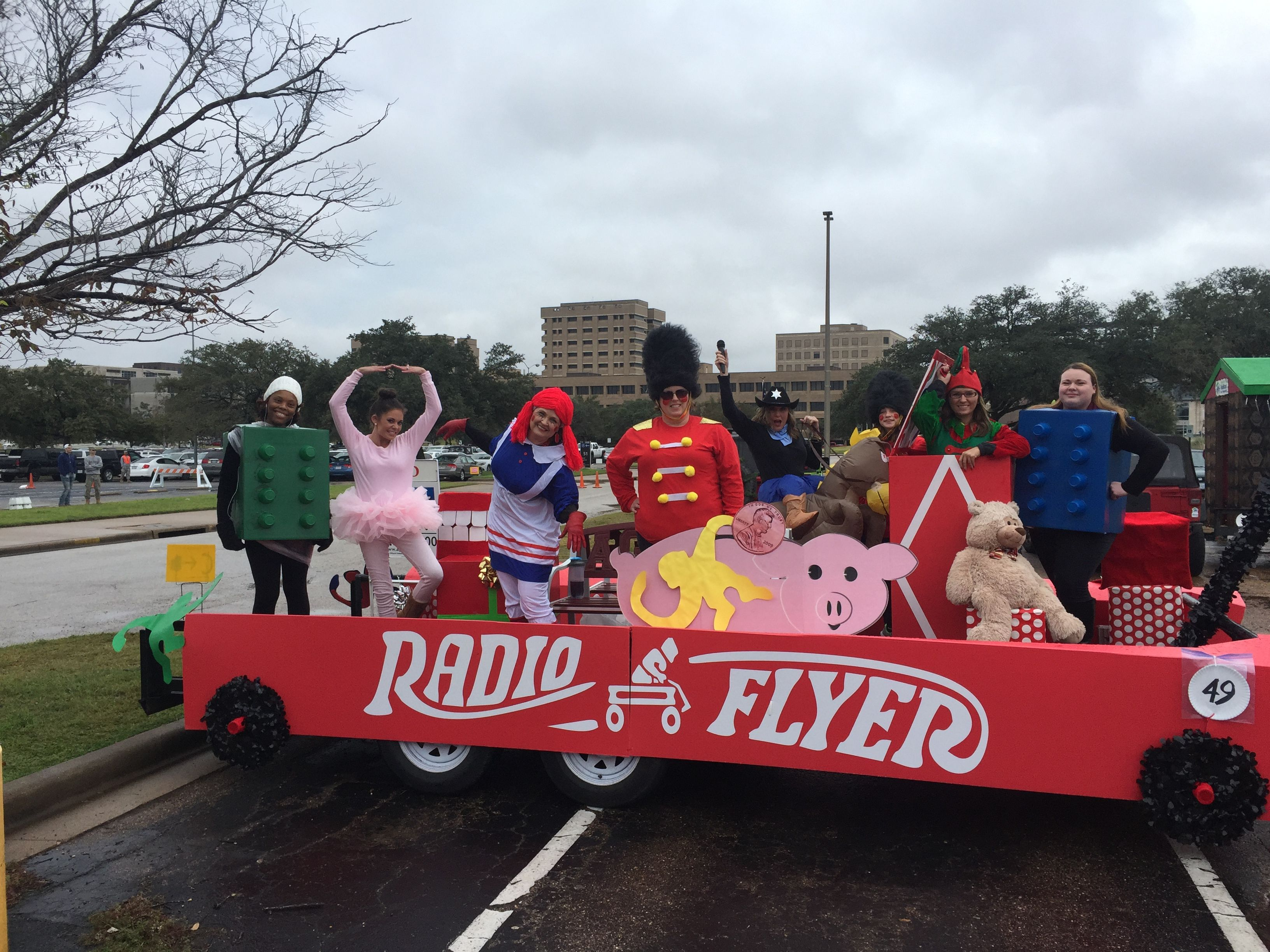 Christmas Homecoming Float.Radio Flyer Parade Float Christmas Parade Homecoming