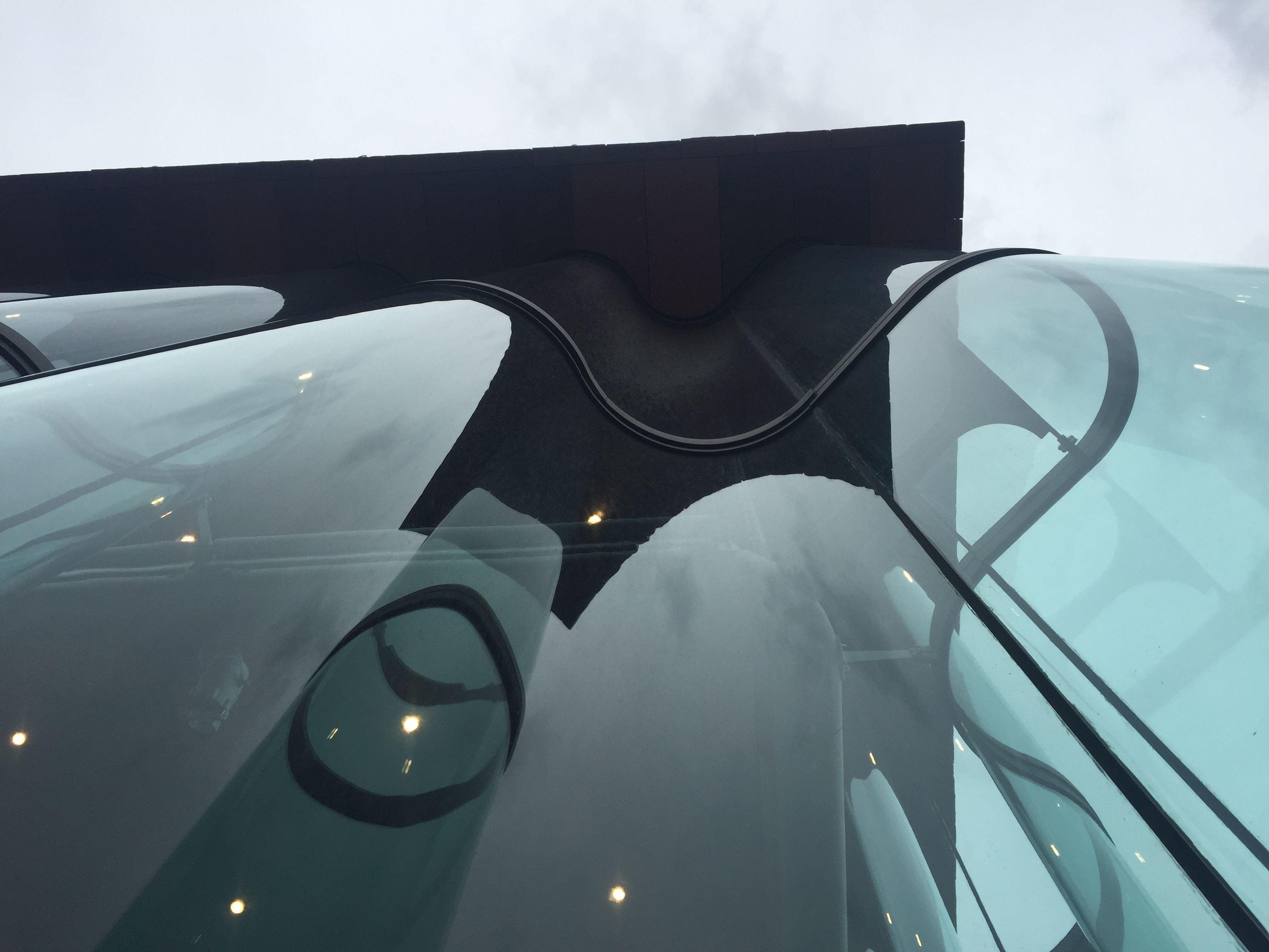 Curved Glass Facade, Antwerp