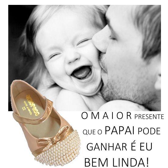 O Maior orgulho do papai é seu bebê! A delicadeza está no pé de quem usa Amoreco! Confira no site da Adoro Presentes a nova coleção de sapatinhos Amoreco.  #SapatosInfantis #AdoroPresentes #Moda #Amoreco #Sapatilhas #Crianças