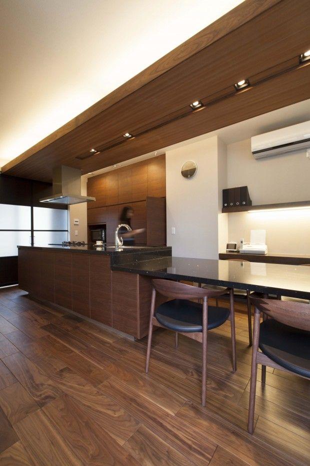 アイランド ダイニングテーブル 一体型でキッチンが主役の家に