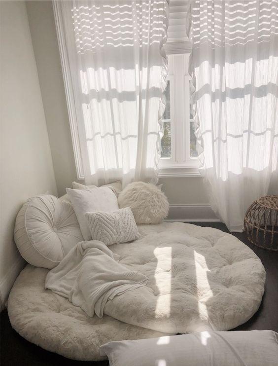 reading nook, reading corners; living room decors; bedroom decors; comfortable chairs; living... #bedroomgoals