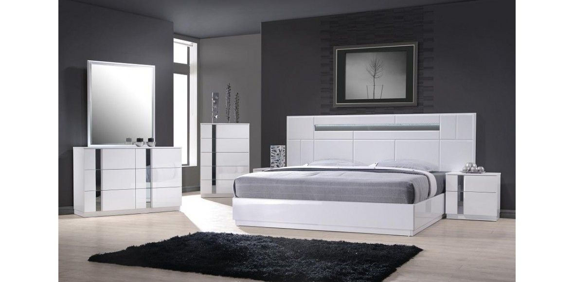 Admirable Monte Carlo White Lacquer On Chrome 5Pc Bedroom Set W Home Interior And Landscaping Ponolsignezvosmurscom