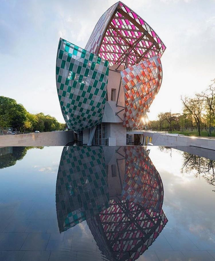 Daniel Buren colors @FrankGehry's @FondationLV on #hauteliving