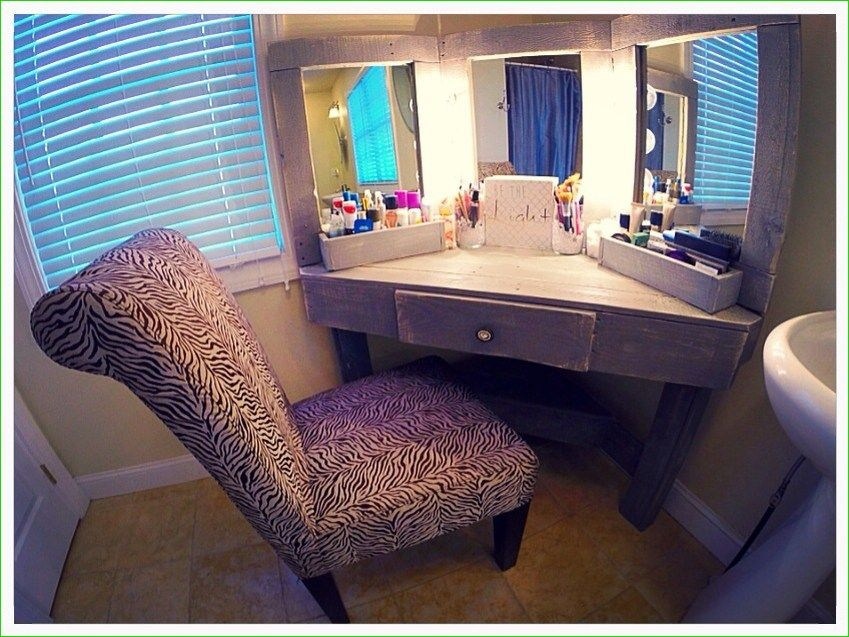 36 Diy Corner Makeup Vanity Table Decor Ideas Beauty Room Decor Beauty Room Decor Corner Makeup Vanity Bedroom Vanity