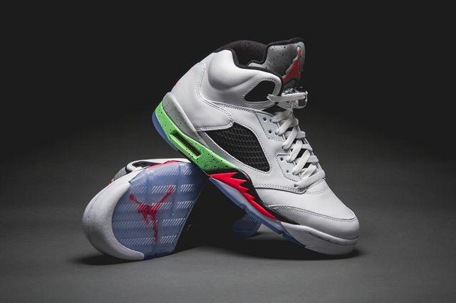 88a00d083afd60 AIR JORDAN 5 (POISON) - Sneaker Freaker
