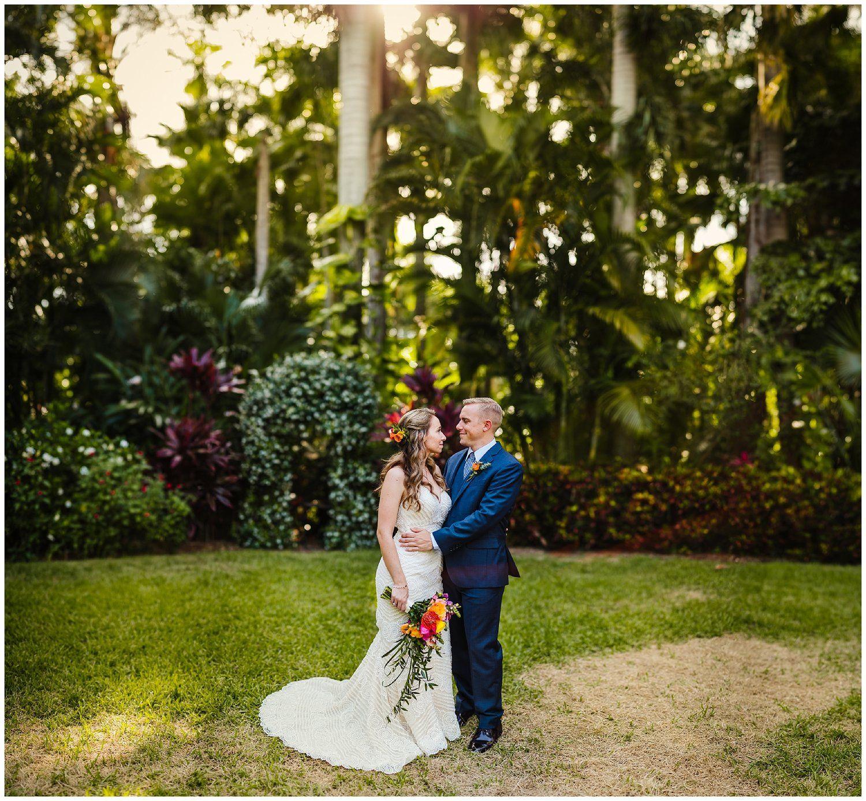 st-pete-wedding-photographer-post-card-inn-sunken-gardens-hawaiian-theme-dueling-pianos_0020.jpg