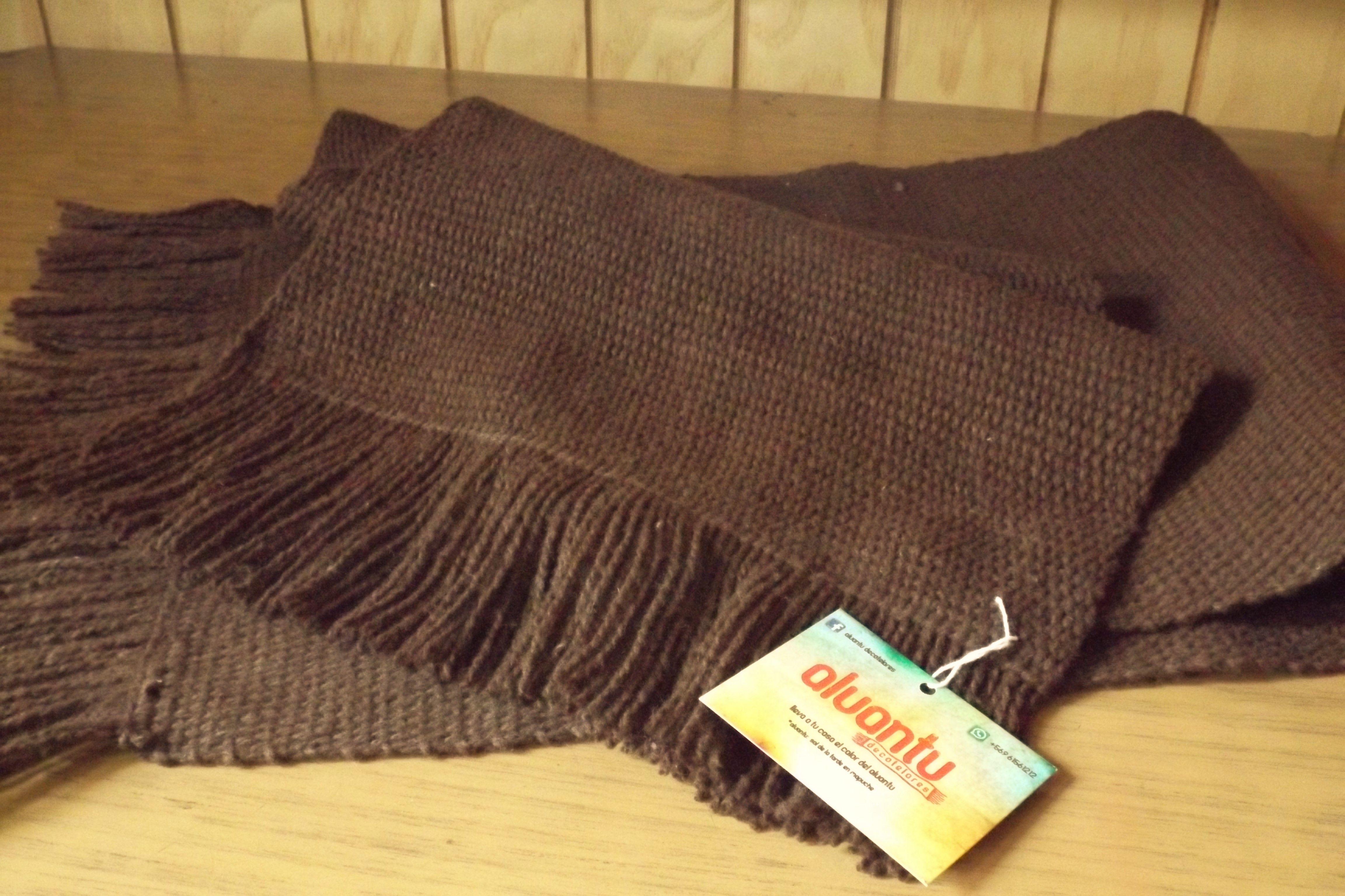 Manta para los hombros hecha con lana natural en Telar Mapuche