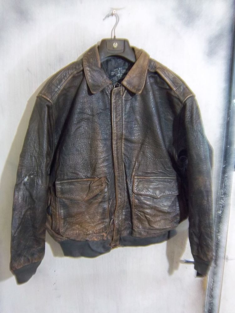 64003f69b37 VINTAGE AVIREX USAAF ISSUE A-2 LEATHER FLYING JACKET SIZE XL  AVIREX   BikerJackets