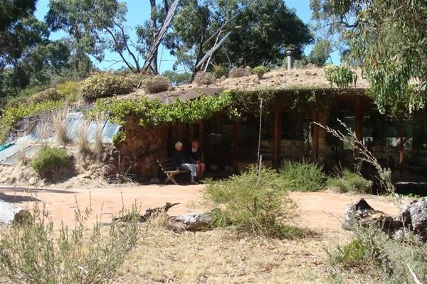 Earth Homes For Sale Bill And Hennie Neve Live In An Earth Covered