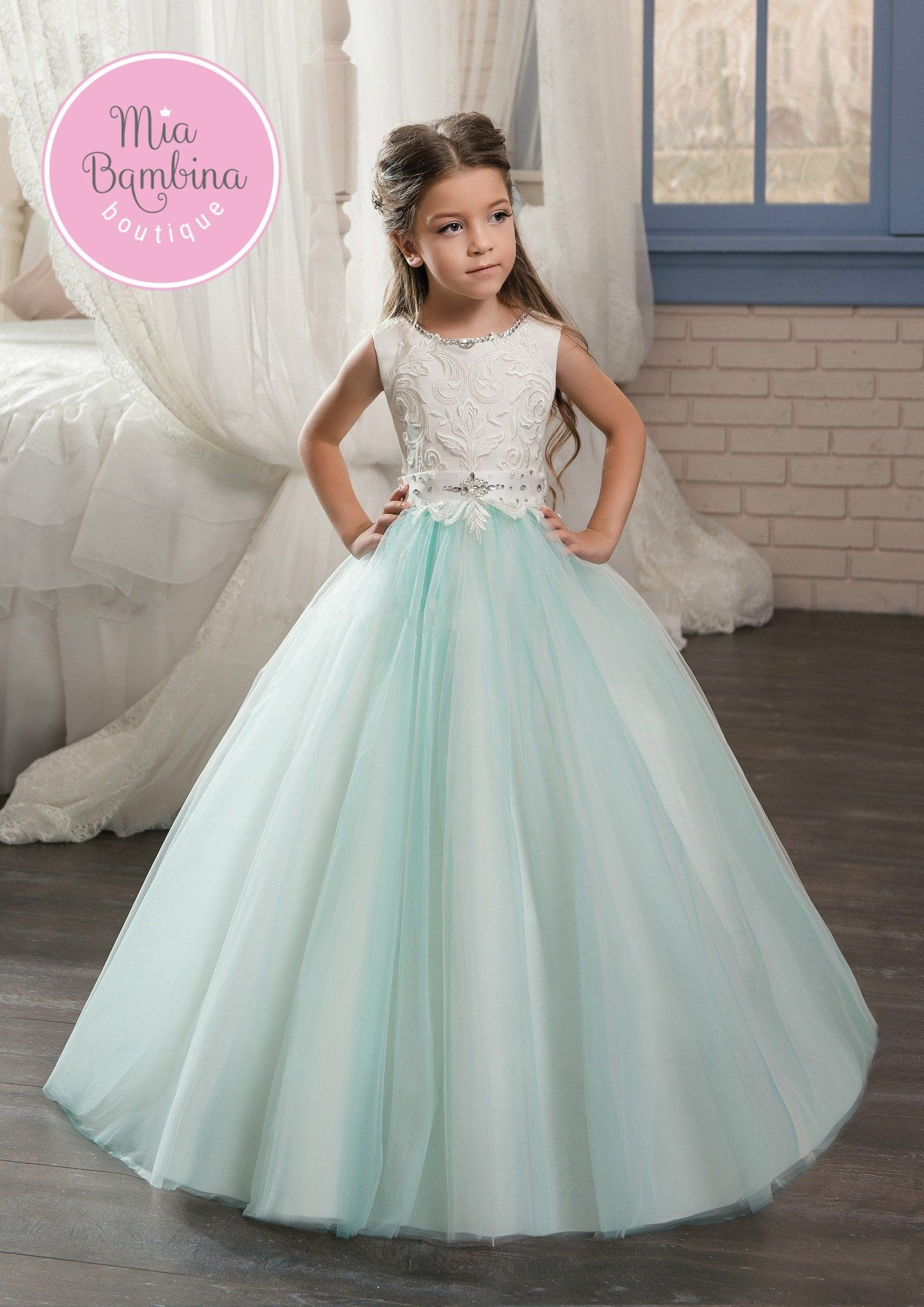 eaaffcaade809 Lovely Seattle flower girl dress. Very elegant Seattle flower girl gown  features a beautiful white lace overlayed top and a multi-layered tulle  skirt.