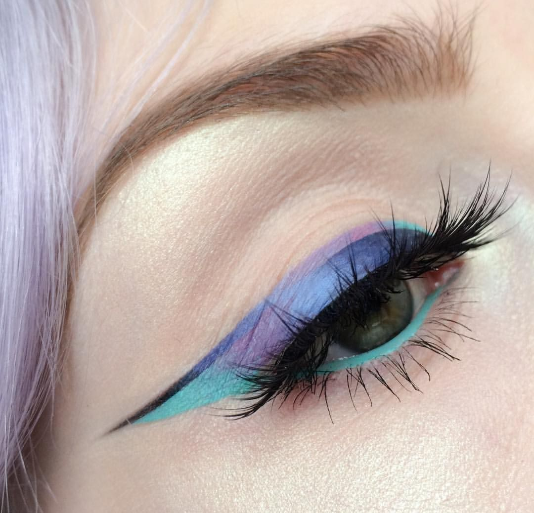 "4,451 Likes, 50 Comments - Molly Bee (@beautsoup) on Instagram: ""double reverse ombré liner - what is your signature look? Has to be pastel vibes for me 