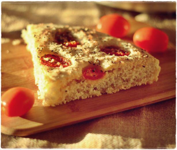 Sourdough focaccia with cherry tomatoes and Provence herbs - Focaccia con lievito madre, pomodorini e erbe di provenza