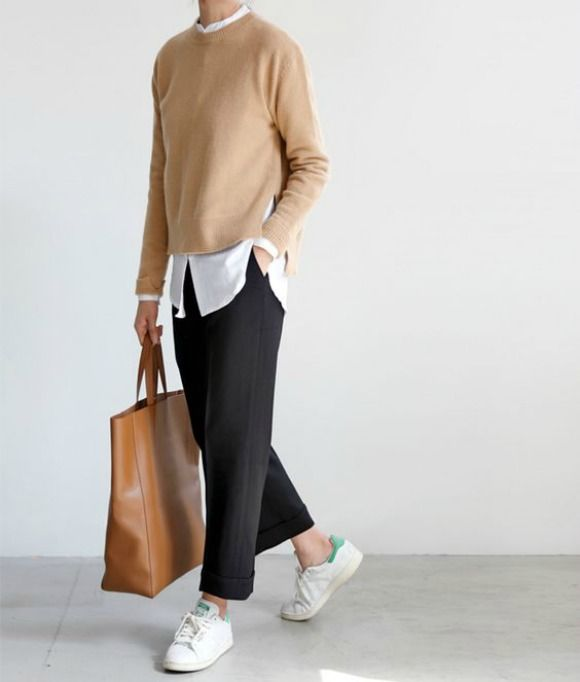 Photo of Cotty Revol: SHOESDAY: WHITE SNEAKERS
