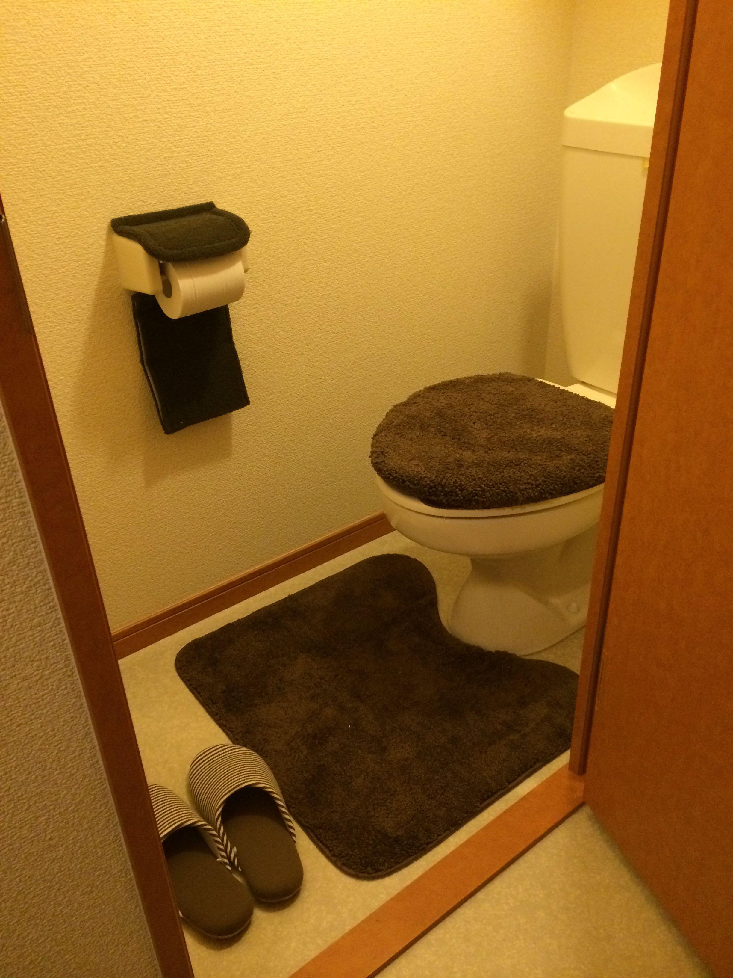 トイレ レオパレス 無印 ニトリ タイル貼りのバスルーム レオパレス