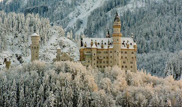 Neuschwanstein Castle in #winter #Bavaria, Germany.