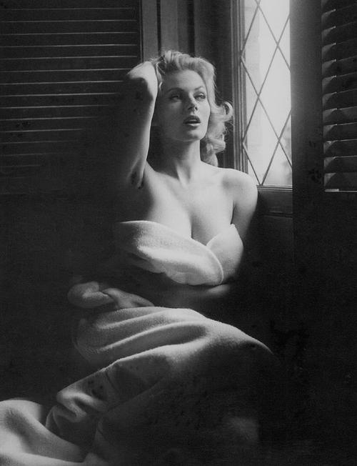 Anita Ekberg Im A Marilyn Not A Audrey In 2019 Anita Ekberg