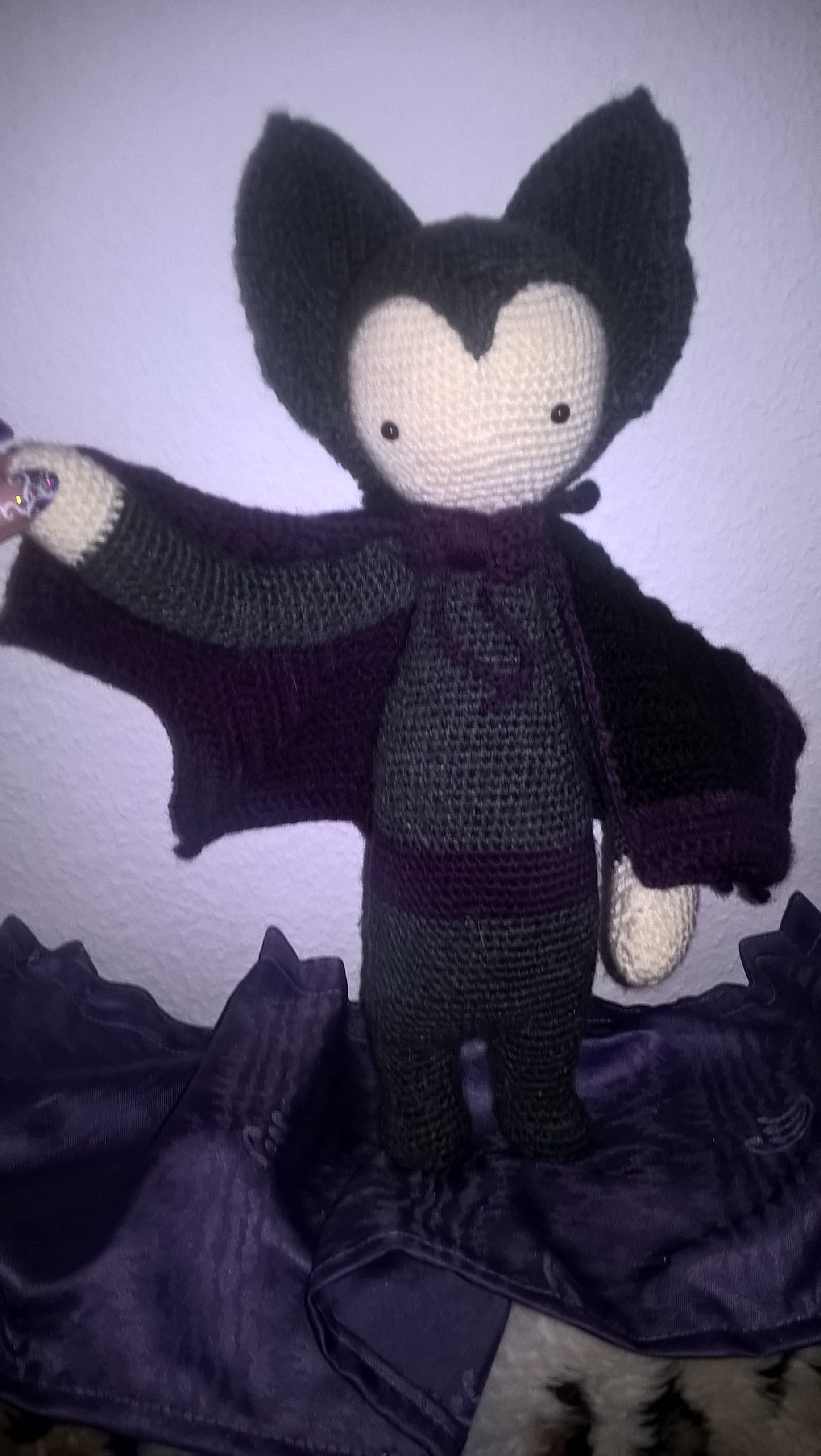 VLAD the vampire bat made by Sabine / crochet pattern by lalylala ...