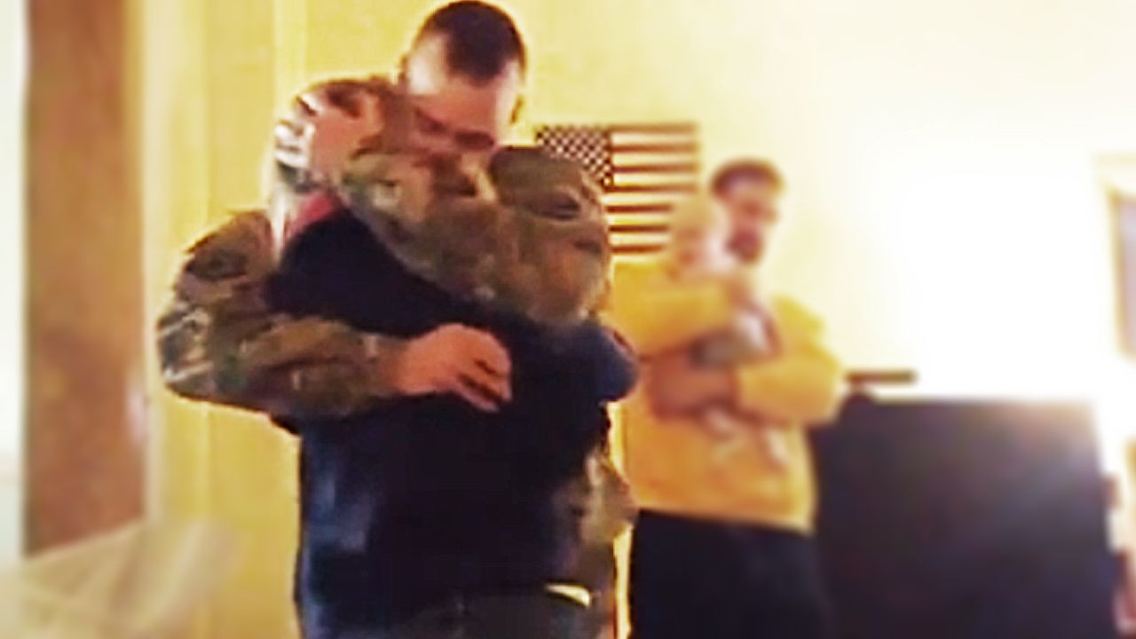 Video Girl Video Chatting With Military Dad Gets Surprised By His