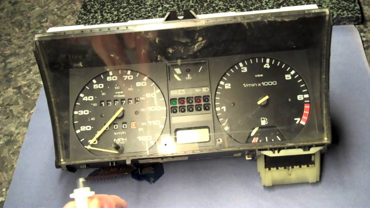 How to replace dash illumination bulbs in a VW Golf MK2
