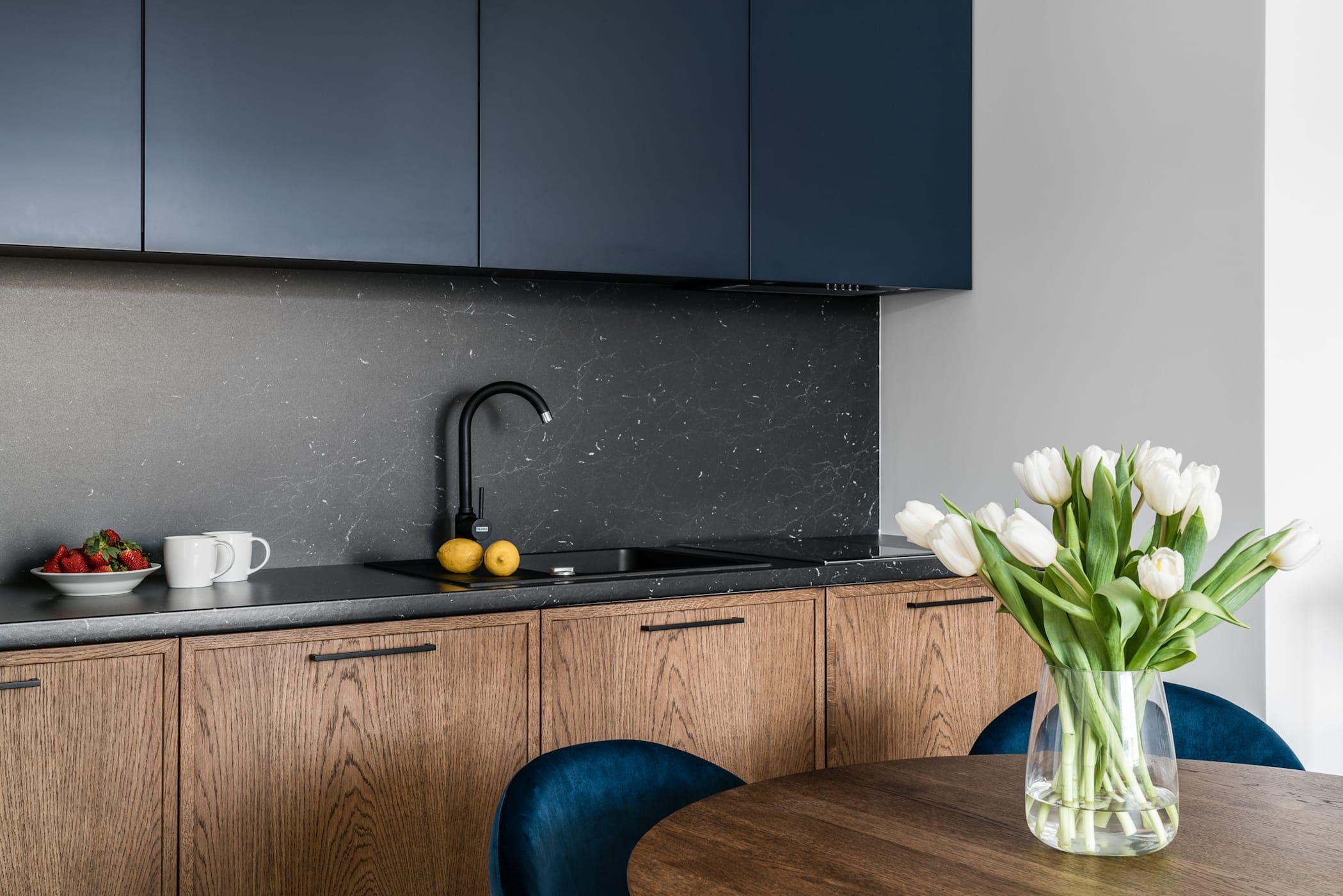 Mieszkanie Wakacyjne Tartaczna 2 Gdansk Anna Serafin Architektura Wnetrz Eklektyczna Kuchnia Homify Kitchen Design Kitchen Cabinets Home Decor