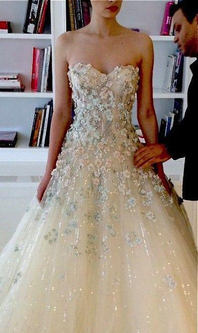 Possibly Wedding Dress Wedding Pinterest Saty Svatba A