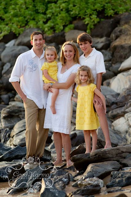 What to Wear? A guide to planning your wardrobe for your Maui family beach portraits  Maui Photographer - Karma Hill