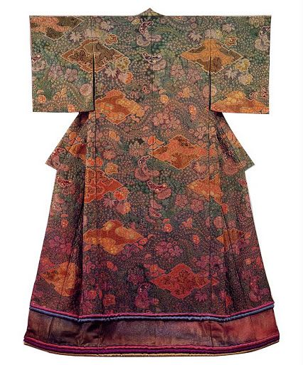 Kimono made by Itchiku Kubota using the Tsujigahana technique. Breathtaking