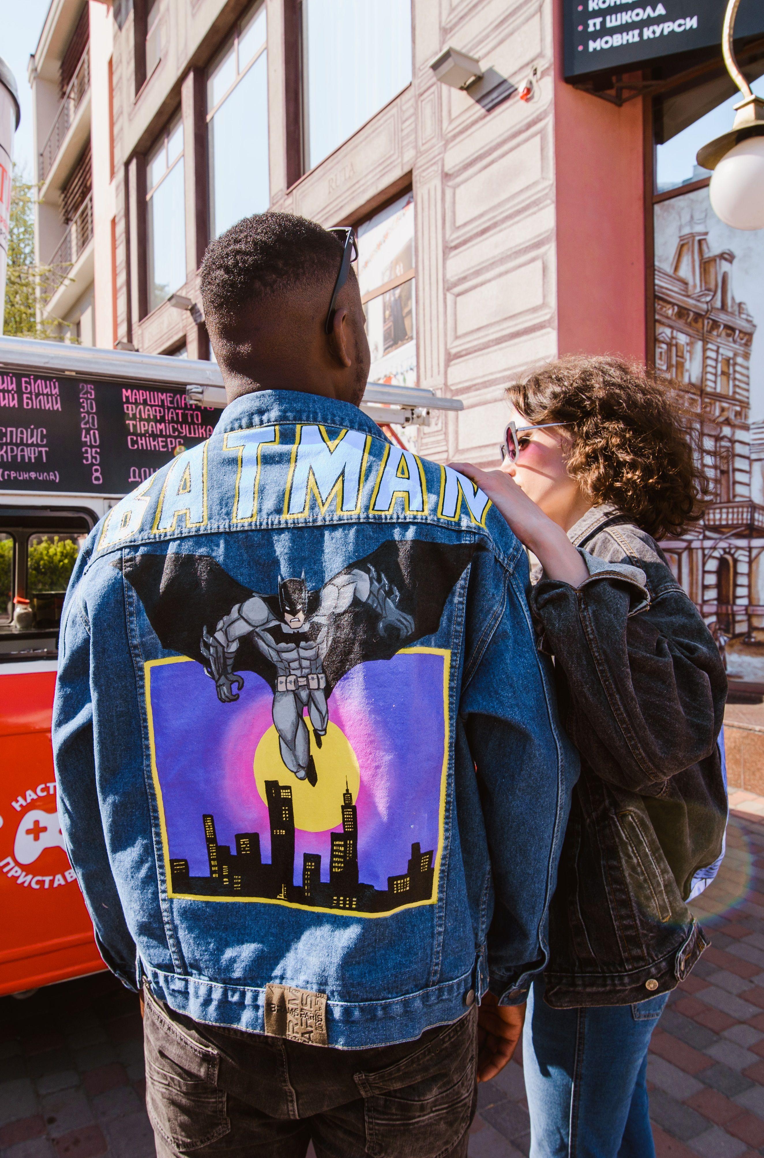 Man S Painted Denim Jacket Comic Bat Etsy In 2021 Diy Denim Jacket Painted Denim Painted Denim Jacket [ 4014 x 2649 Pixel ]